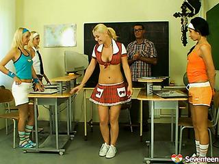 fione,katie and vanessa blondes