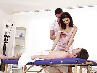 gay masseur gets ass