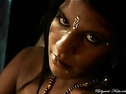 Hot Indian babe in golden decorations flaunting her fresh body