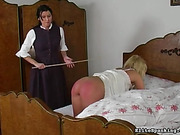 Elite spanking process passes well in female company