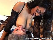 Full-bosomed Ebony wants to satisfy pappy's sex dreams
