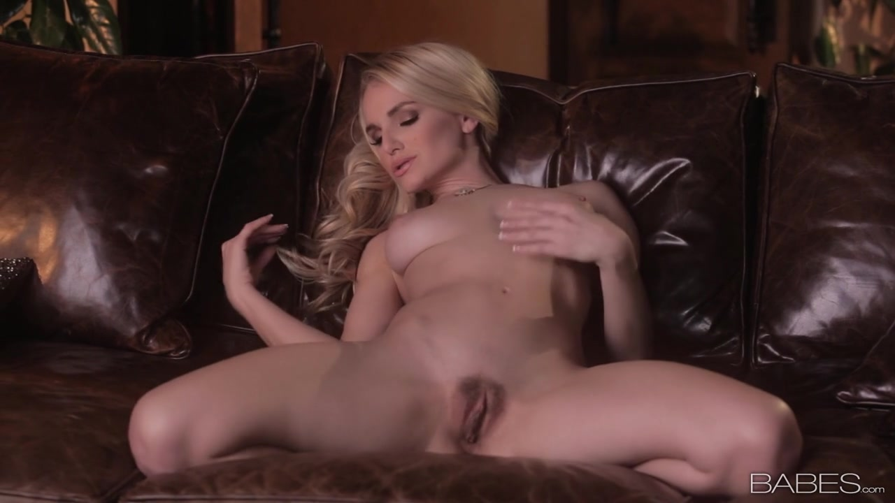 sweet naked wife xxxbunker