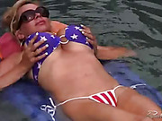 Blondie has some hot fun in the foor and fulfills needs