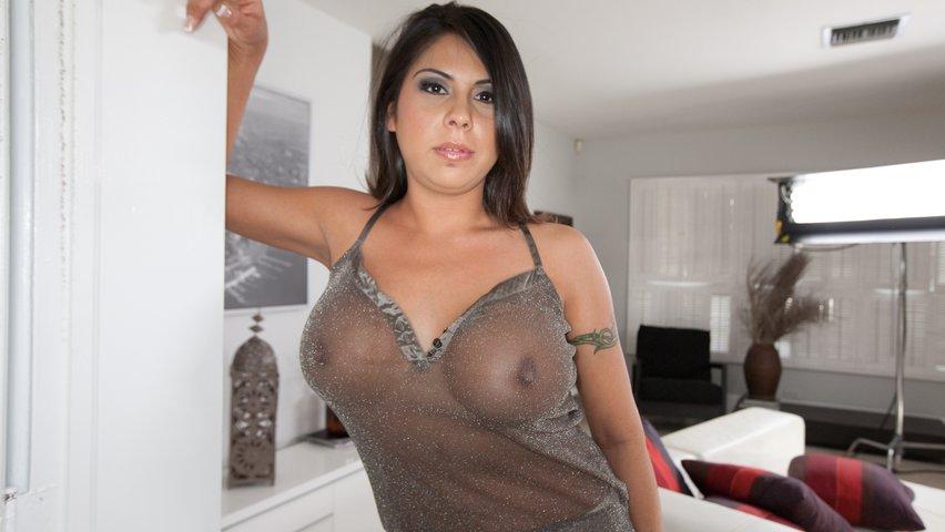 Rather sexy latina milf you
