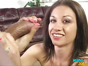 Mature woman likes to find new places to get the cum from his lovers