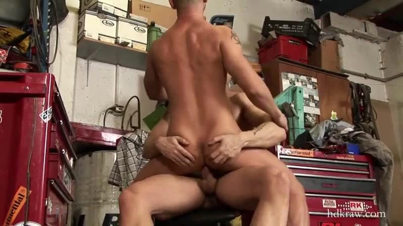 Видео garage секс вечеринка