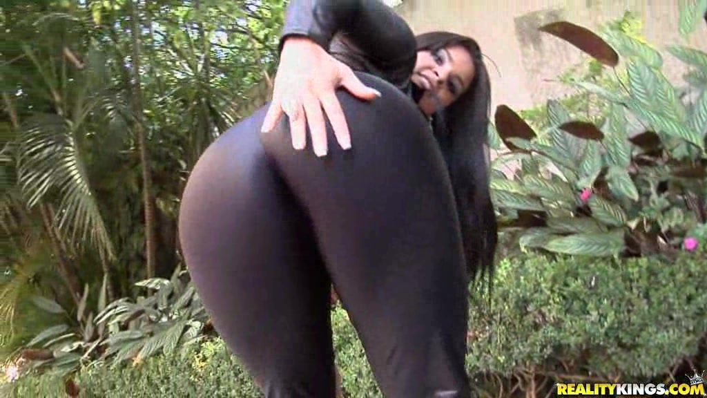 Sexy Gal In Black Bodysuit And Heels Stripteasing At Home Before Being Pussy Pounded And Jizz Covered Backyard