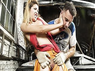 horny mechanic rips blondie's