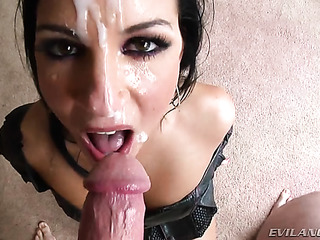 raven haired seductress black