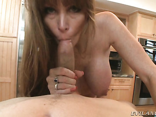 isanely hot milf with