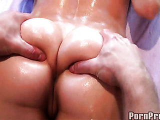 oiled beauty gets great