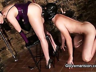 latex mistress plays with