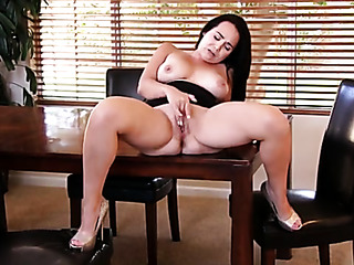 beautiful horny brunette mom