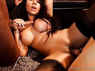 stockings-clad latina follando dos