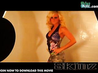 blonde hottie posing naked