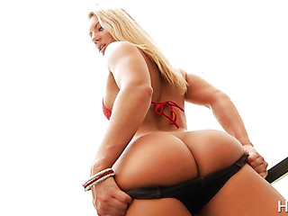 bubble butt blonde receives