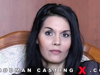 brunette amateur anal casting