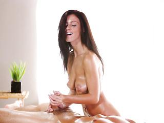 natural boobs oiled girl