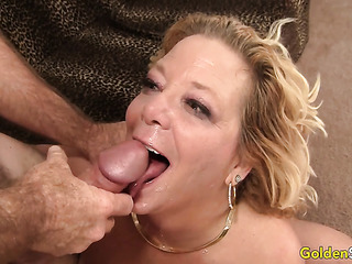 cum mature mom