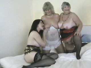 amateur grandes teta lesbianas