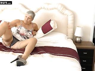 big tits lesbian feet