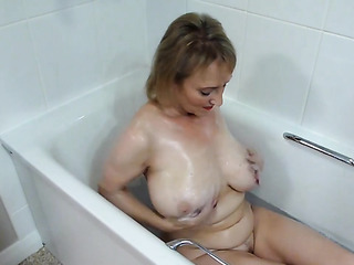 voluptuous mature hairy pussy