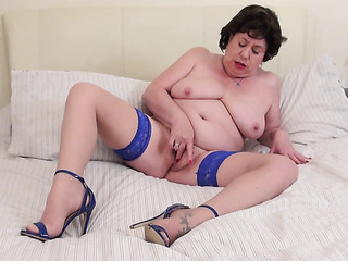 curvy mature stockings