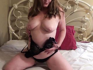 amateur mature tit