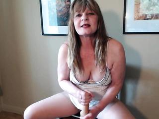 mature big tit cougar
