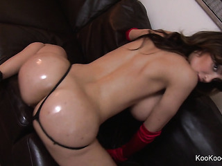 fat oiled pussy masturbation