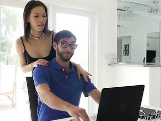 tech guy seduced horny