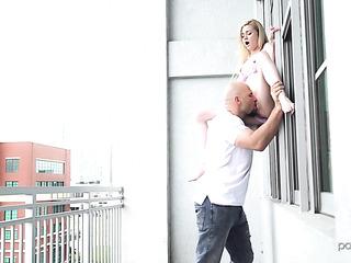 bodacious blonde's bold balcony