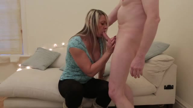 Girl fucks the biggest dick in the world