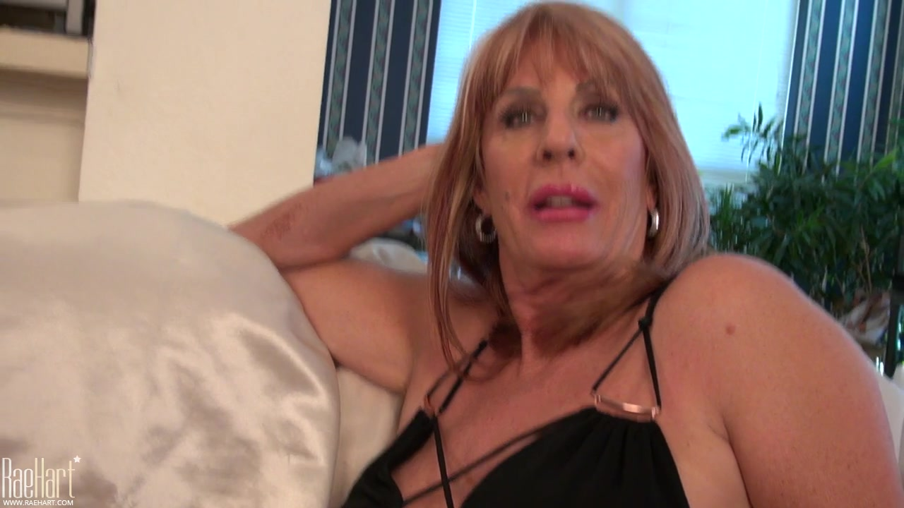 Kinky Old Slut With Big Juggs Polishing Her Pumped Tits And Clit With A Wire Vibro Youx Xxx