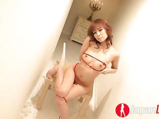 naked asian hottie crawls