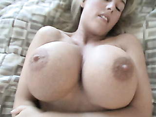 appealing nude harlot gets