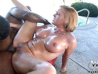 oiled big-booty blondie gets