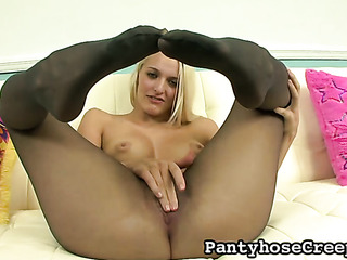 astonishing blonde lowers little