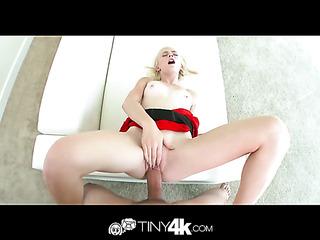 foxy blonde puts her