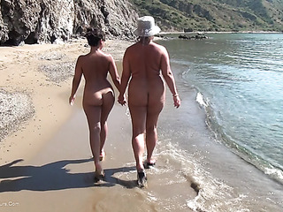 wicked nude chicks sunglasses