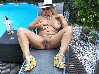 dreamy gal white hat