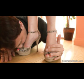 Slim bitch in high heels gets her feet licked by her horny partner