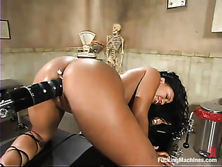 ebony whore riding fucking