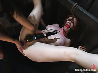 pale redhead babe gets