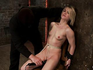 slender blondie bondage gets