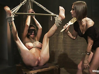 inked babe bondage gets