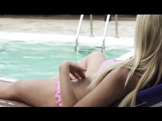 blonde girl pink bikini