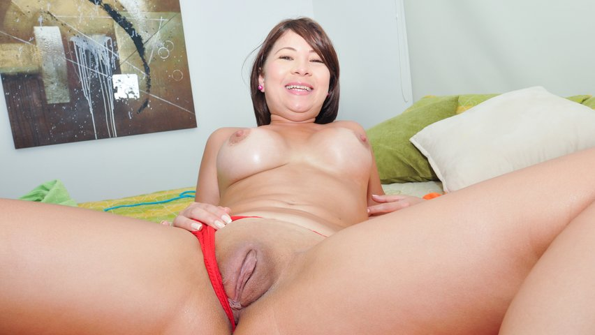 Hairy mature pussy r20