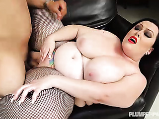 chubby latina gets gets