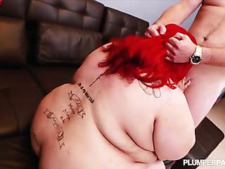 plumper redhead stuffs her